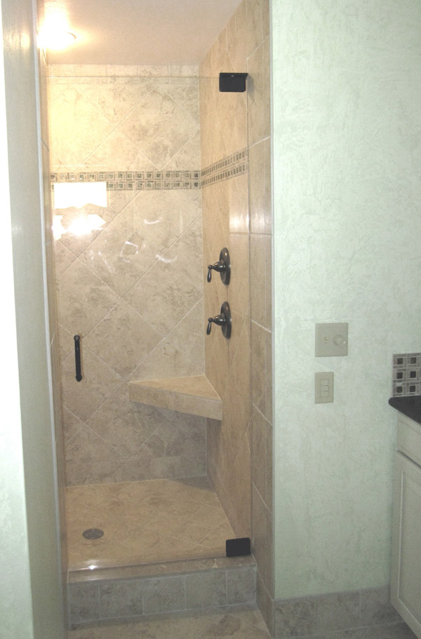 Compact Showers Cape Coral, Florida