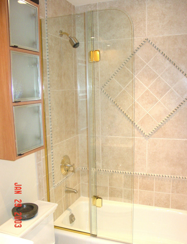 Bi Fold Shower Doors Ft Myers, Florida